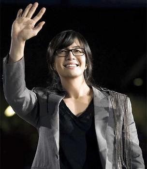 2009-09-22-yonsama-2.jpg